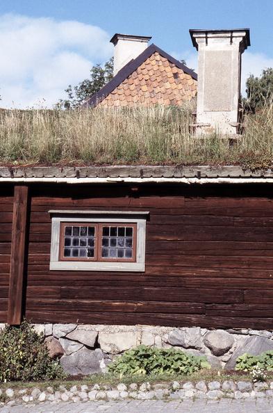 Tiny Home Designs: Windows On The World 2